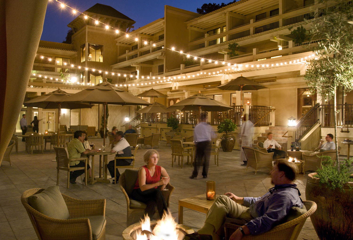 tollhouse-courtyard-with-firepits